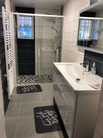 Rénovation salle de bains à Riom dans le Puy-De-Dôme