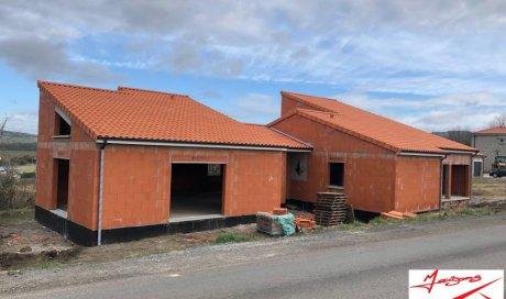Construction d'une maison en brique à coté de Clermont-Ferrand